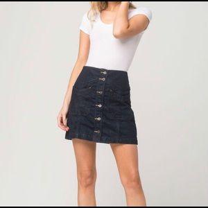Free People•Dark Denim Skirt Size 4 button